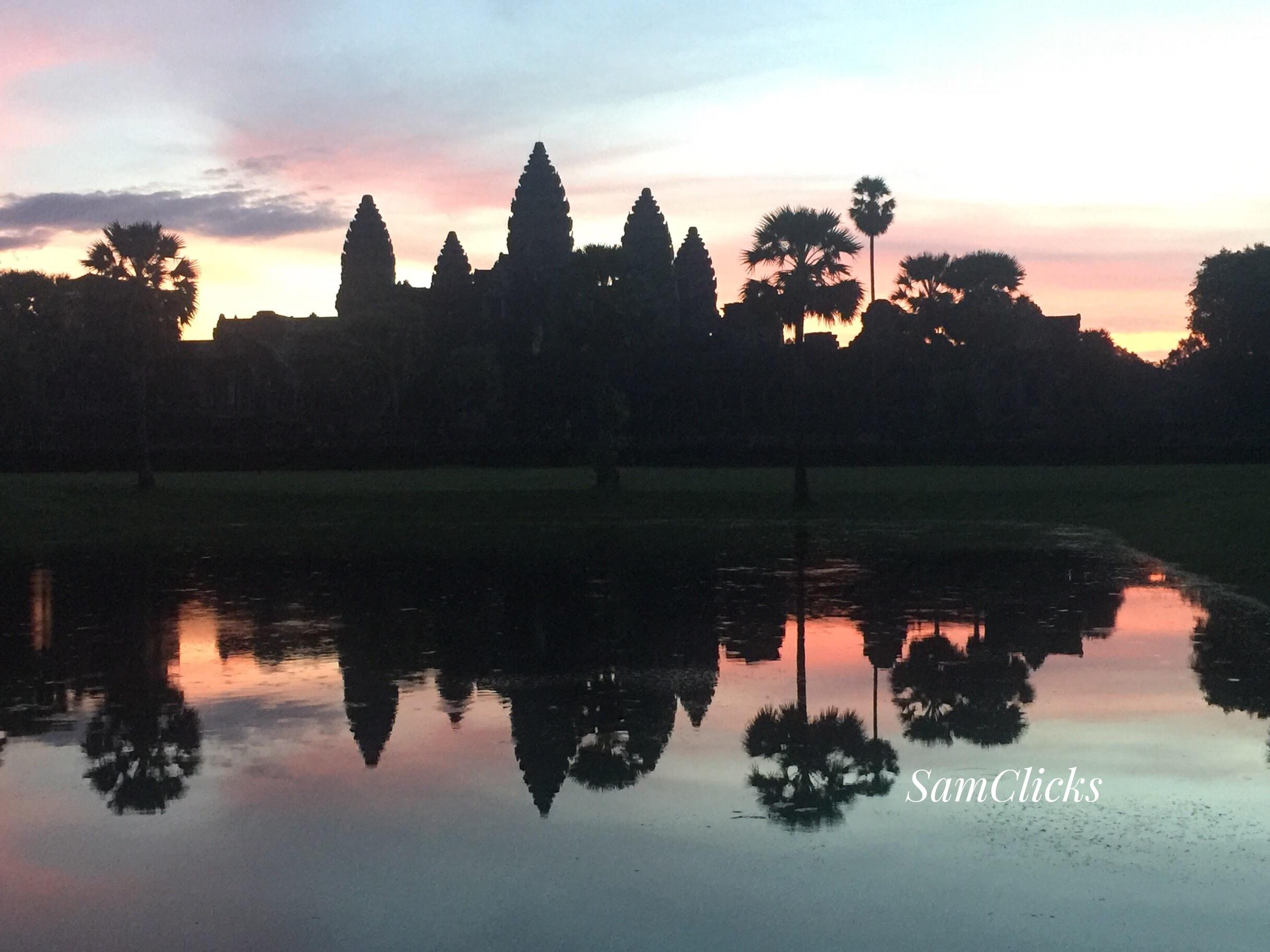 Sun paints the Angkor Wat...