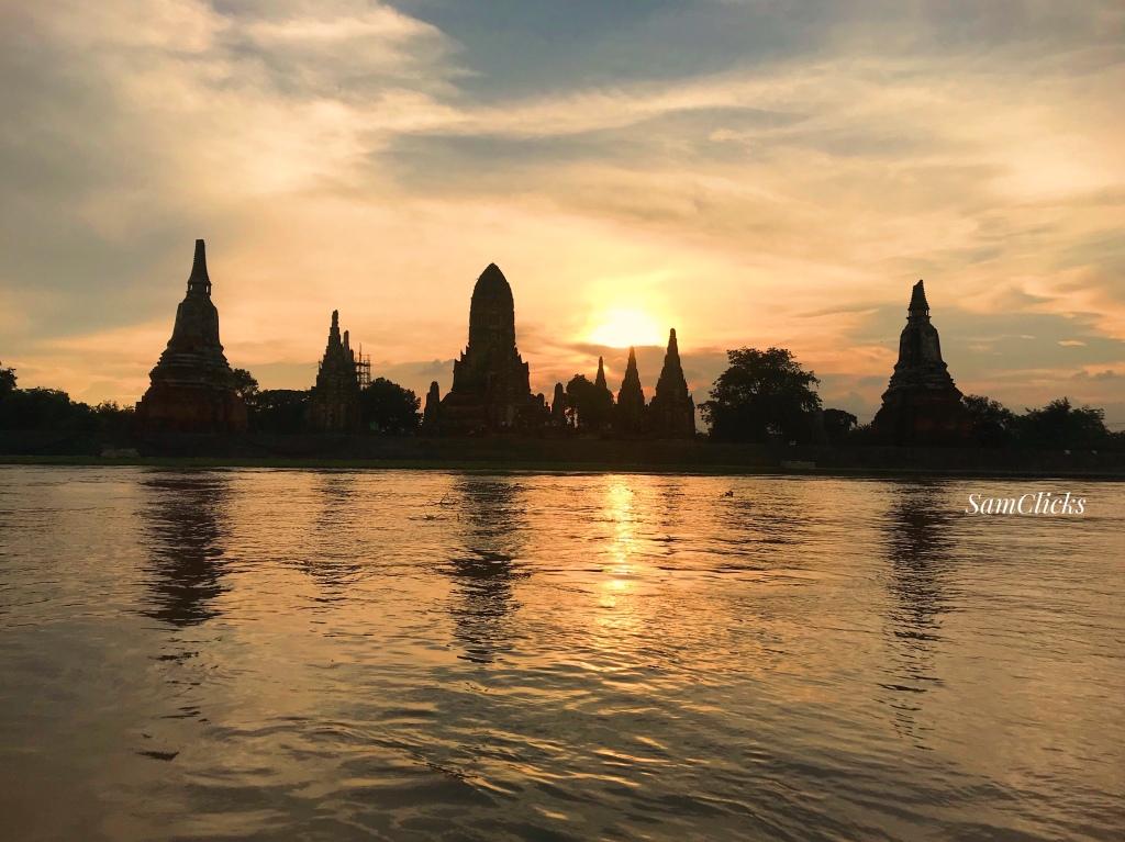 When the sun sets on Wat Chaiwatthanaram in Ayutthaya.