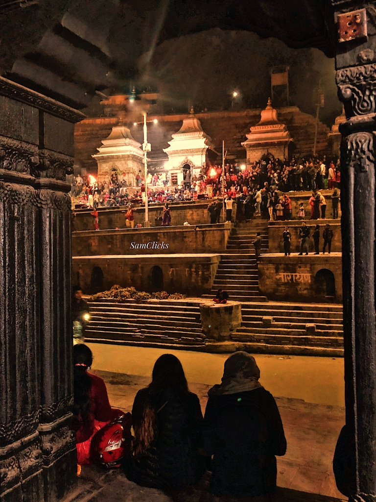 Bagmati Aarti watched from the crematorium side
